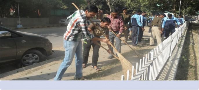 "<p><span style=""font-size: small;""><span style=""color: rgb(128, 0, 0);""><strong>Swatchh Bharat Abhiyan - The drive towards cleanliness in ISTM 15/11/2014</strong></span></span></p>"