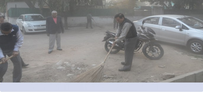 "<p><span style=""font-size: small;""><span style=""color: rgb(128, 0, 0);""><strong>Swatchh Bharat Abhiyan - The drive towards cleanliness in ISTM 18/02/2015</strong></span></span></p>"