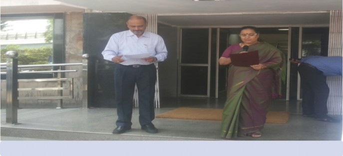 """<p><span style=""""font-size: small;""""><span style=""""color: rgb(128, 0, 0);""""><strong>Director, administering pledge on the ocassion of Rashtriya Ekta Divas on 30-Oct,2015</strong></span></span><span style=""""font-size: medium;""""><span style=""""color: rgb(128, 0, 0);""""><strong><br /> </strong></span></span></p> <p><span style=""""font-size: medium;""""><span style=""""color: rgb(128, 0, 0);""""><strong> </strong></span></span></p>"""