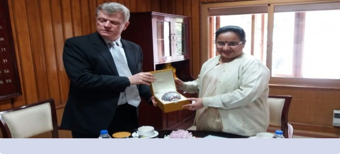 """<p><strong><span style=""""font-size: x-small;""""><span style=""""color: rgb(128, 0, 0);"""">Meeting with Dr. Jonathan Shaw, Executive Director, Asian Institute of Technology, Bangkok on 26/11/2015</span></span></strong><strong><span style=""""font-size: medium;""""><span style=""""color: rgb(128, 0, 0);""""><br /> </span></span></strong></p>"""